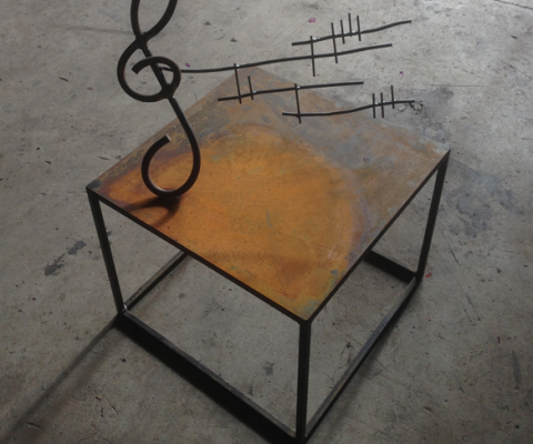 Escultura mesa Nota