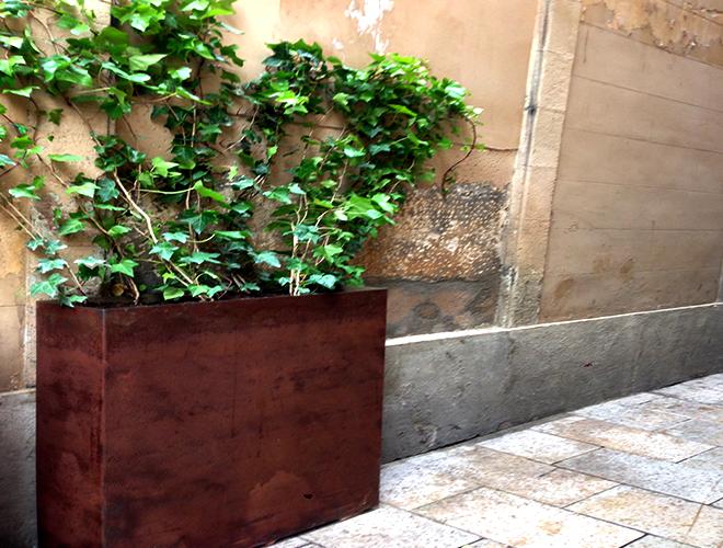 Jardineras muebles de hierro lat n zinc inox sillas - Jardineras a medida ...