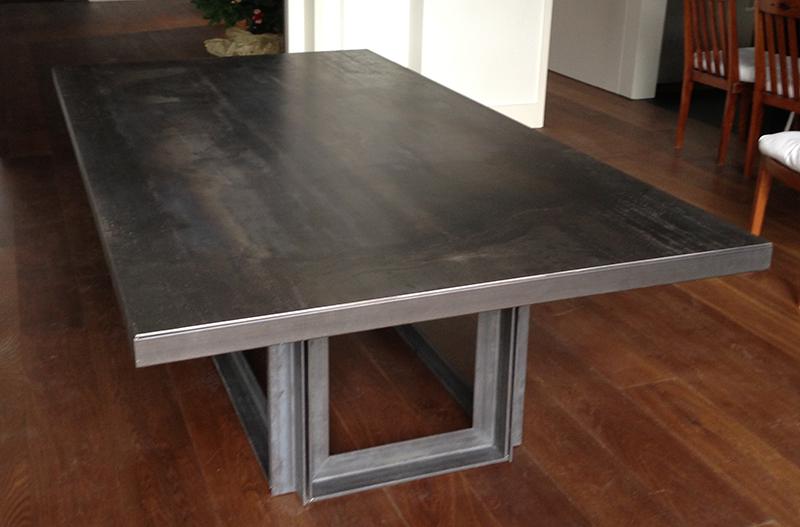 Mesa comedor muebles de hierro lat n zinc inox - Mesas de comedor a medida ...