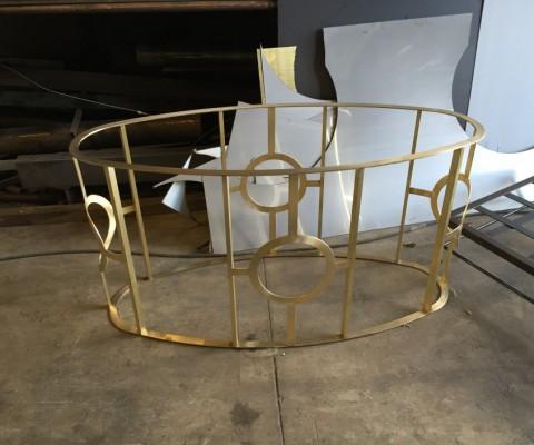 mesa latón ovalada